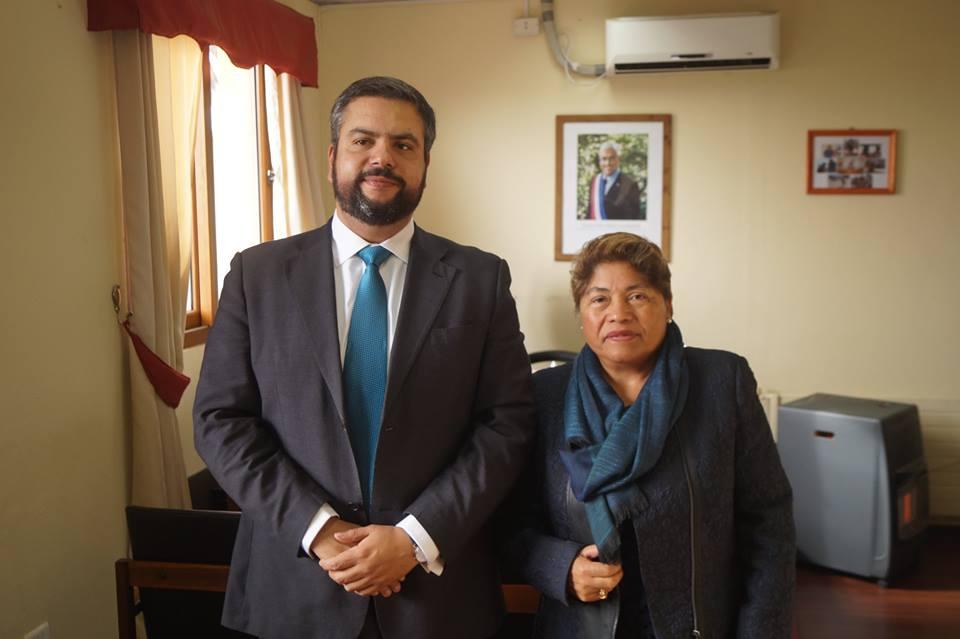 ALCALDESA SE REÚNE CON EL NUEVO GOBERNADOR DE LA PROVINCIA DE CAUQUENES