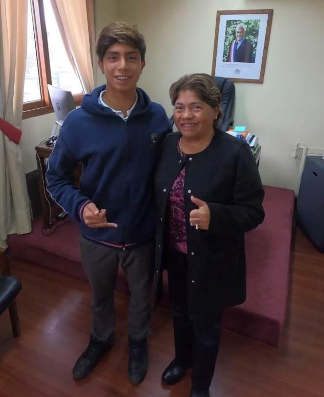 ALCALDESA DE PELLUHUE REAFIRMÓ SU APOYO A SURFER LOCAL.