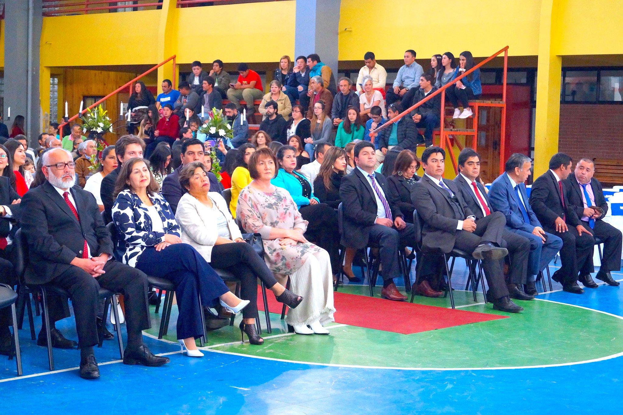 ALCALDESA PARTICIPA DE LICENCIATURA CUARTOS MEDIOS EN EL LICEO PELLUHUE.
