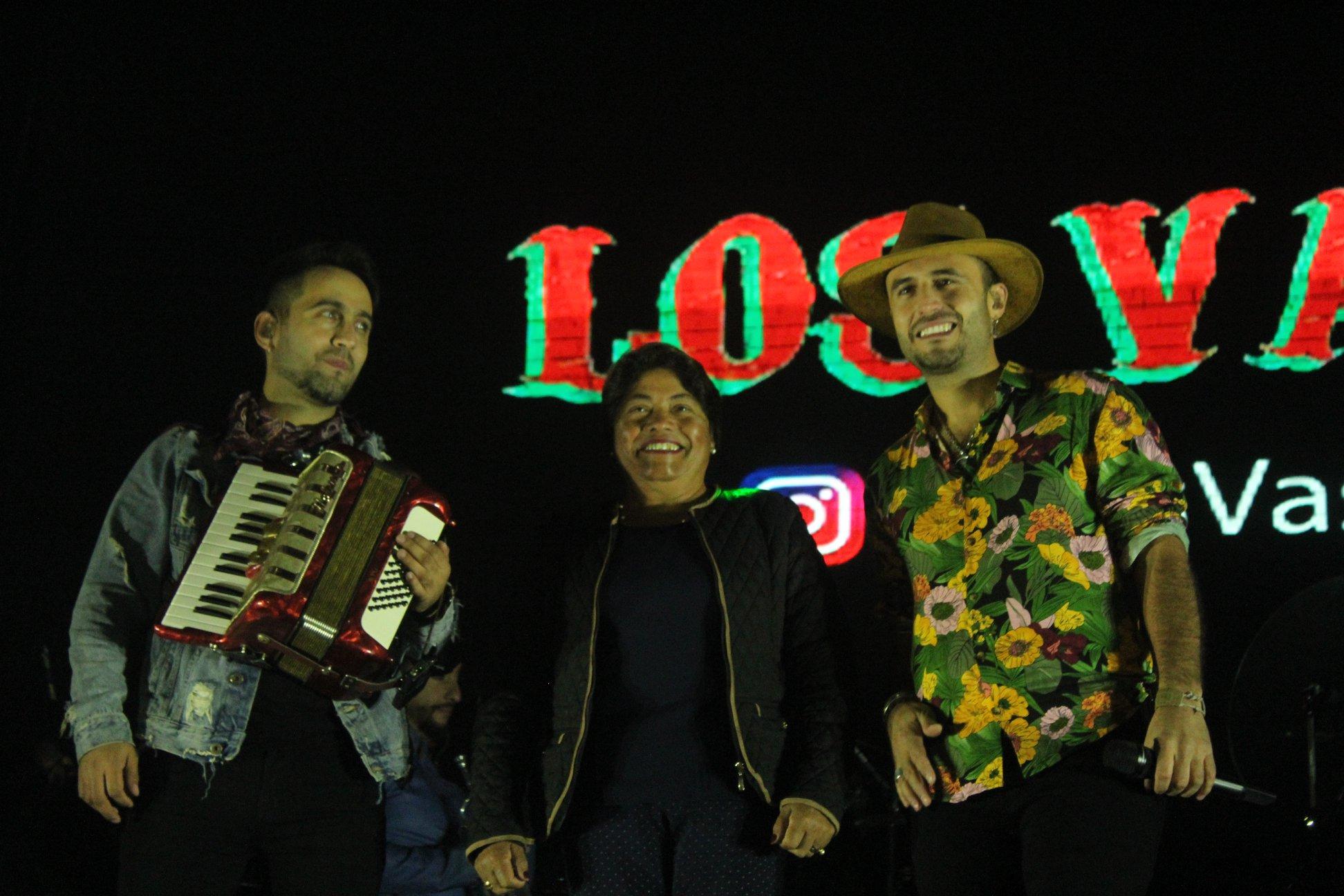 EXTRAORDINARIO SHOW DE LOS VÁSQUEZ EN PELLUHUE.