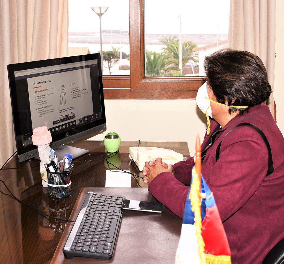 NUESTRA ALCALDESA PARTICIPA EN CHARLA PARA LA REACTIVACIÓN TURÍSTICA DE LA REGIÓN DEL MAULE.