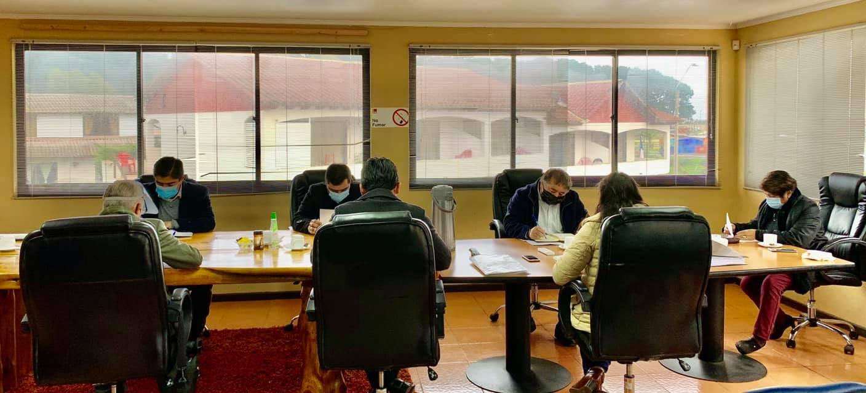 ALCALDESA GESTIONA COMPRA DE TABLETS PARA ALUMNOS DE QUINTO Y SEXTO BÁSICO.